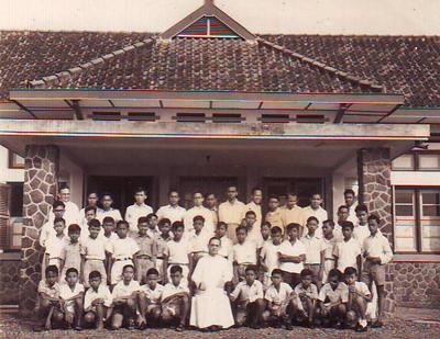 Petrus Canisius Mertoyudan Pioner Pembinaan Imam Pribumi