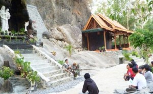 Taman Maria Giri Wening Sengon Kerep Hasil Hibah Warga Setempat (5)