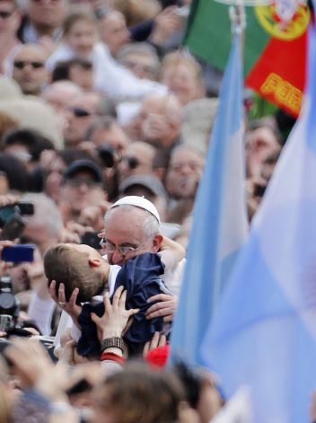 Paus Fransiskus dan anak autis 2