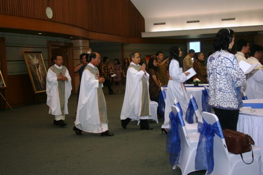 Misa 25 Tahun Yayasan Bhumiksara prosesi awal