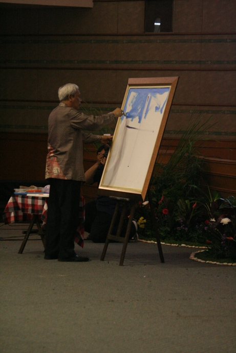Sri Hady melukis dari goresan salib