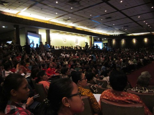 Catholic congregation in TMII mass of gratitude for the sainthood of the two popes