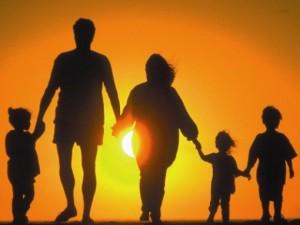 keluarga by Avennire