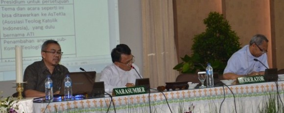 Komisi teologi