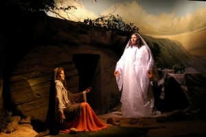 Jesus-Picture-Resurrected-At-The-Tomb