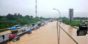 Beberapa Ruas Jalan di Jabodetabek Kena Banjir