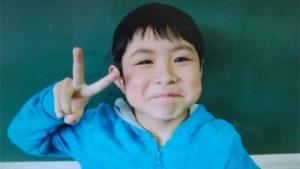 """Yamato Tonooka, anak kecil yang """"dihilangkan"""" oleh orantuanya sendiri lantaran nakal dan kemudian dihukum dengan diturunkan di jalanan di tengah hutan. (BBC)"""
