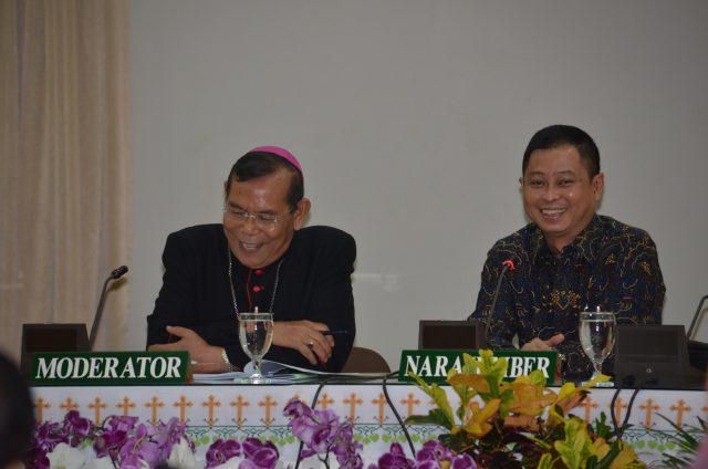 padang-bishop-mgrs-martinus-dogma-situmorang-and-minister-ignatius-jonan