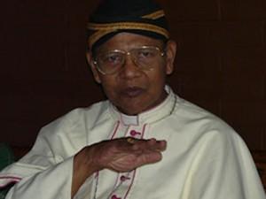 Mgr Sunarka SJ 2