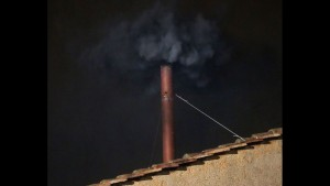 Konklaf asap hitam di hari pertama