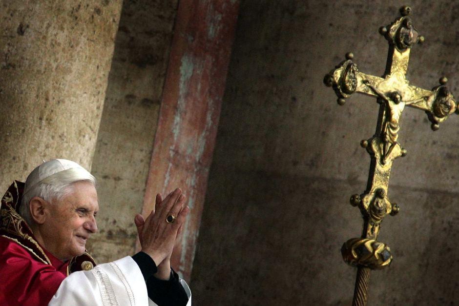 Paus Benedictus saat mengawali masa kepausannya