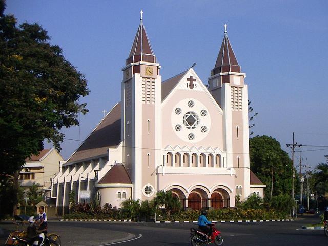 katedral malang 2