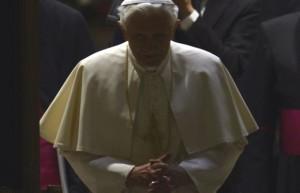 paus benedictus gelap
