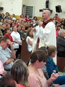 Padre Beto misa