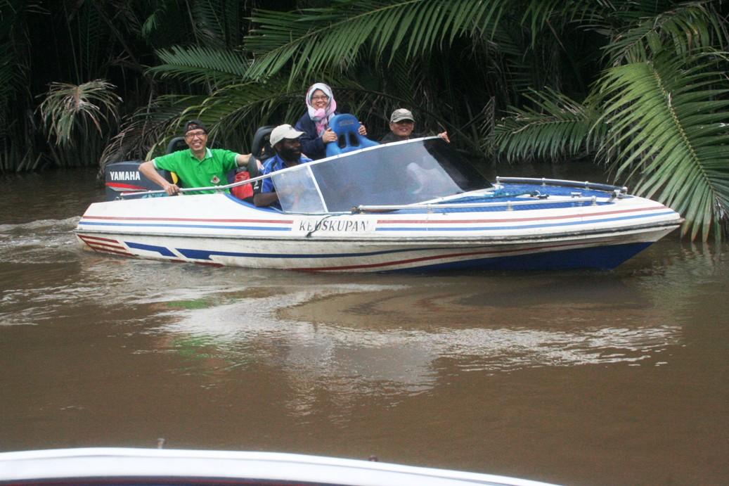 Copy of _MG_2617 speed boat keuskupan
