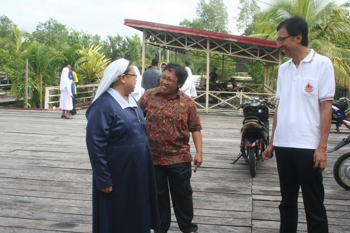 IMG_4149 Vero bersama Sr Sylvia KFS Hendra Kosasih