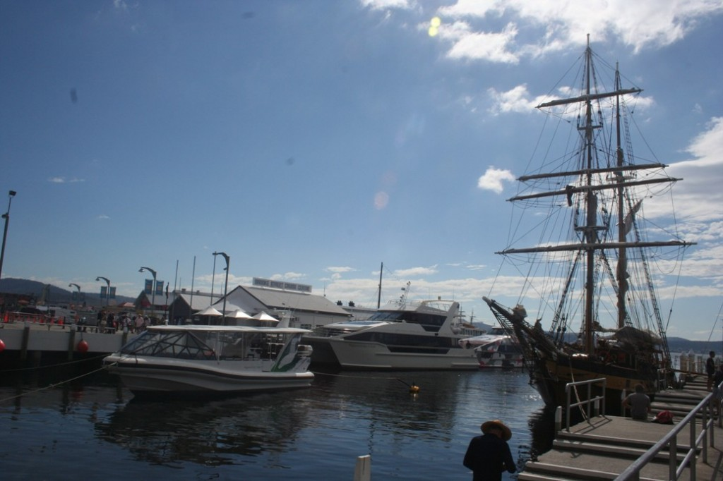 Hobart langit biru di Watermans Dock