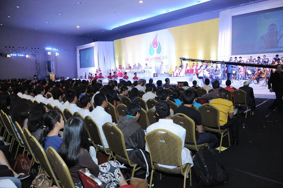 OMK Gathering 2013 with Kardinal Rylko sisi samping edited