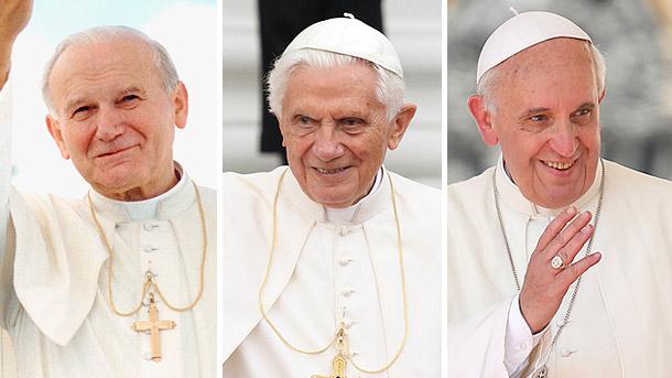 Paus tiga nama