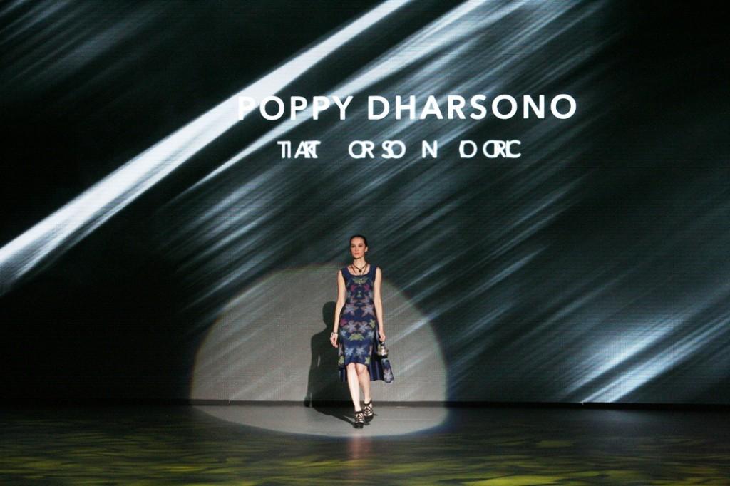 Ikat Troso by Poppy Dharsono