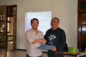 Pelatihan jurnalistik Balai Budaya Rejosari Kudus Romo R. Haryono MSF dan RYI