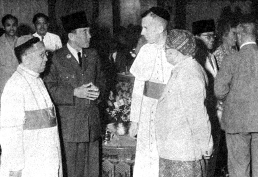 Mgr_Soegijapranata dan Presiden Sukarno