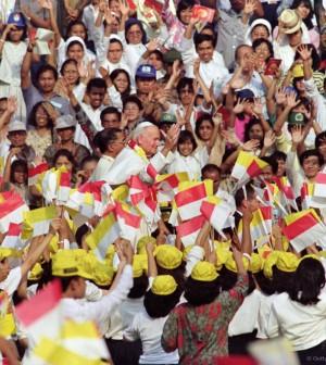 Paus dan anak-anak Indonesia