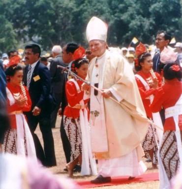 Paus di Yogyakarta anak anak