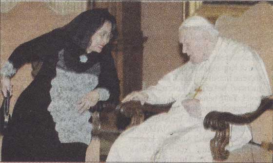 Presiden Megawati dan Paus Yohannes Paulus II di Vatikan