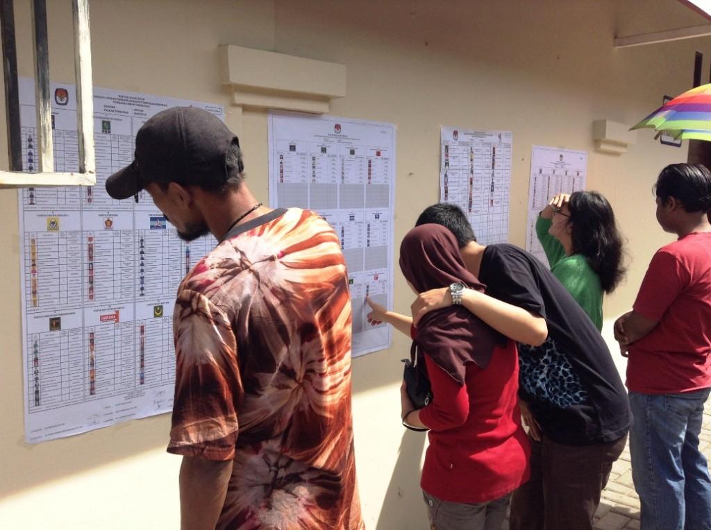 pemilu 3 melihat daftar caleg