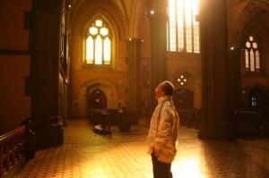 Berdoa di Katedral Sidney