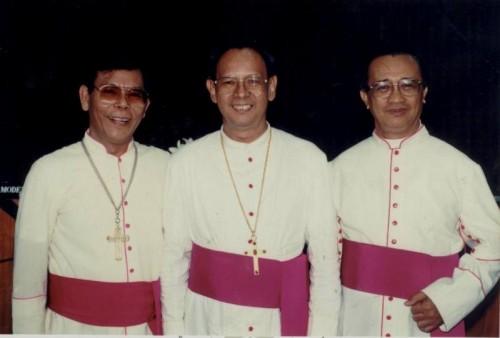 Mgr Situmorang Kardinal Julius Darmaatmadja dan Mgr Valentinus Kartasiswoyo Pr by Dokpen KWI ok