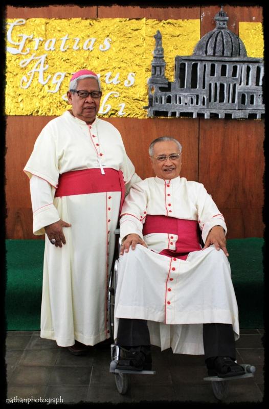 Mgr V. Kartasiswoyo Pr bersama Mgr. Blasius Pudjaraharjo Pr email