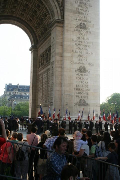 arch de triomphe les soldats ok