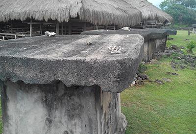 Kubur Batu khas Sumba/ Foto : Abdi Susanto - Sesawi.net