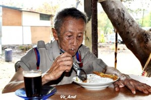 Mbah Suratman/ foto : Anis Dewanti