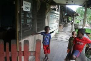 Anak Papua di pedalaman Yaosakor Agats