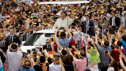 Paus Fransiskus di Korsel by News Info Inquirer