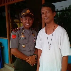 Romo Budiyanto bersama Maruf polisi perbatasan PNG RI