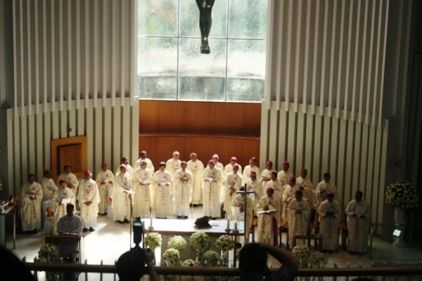 Gotaus misa uskup di kosambi 1