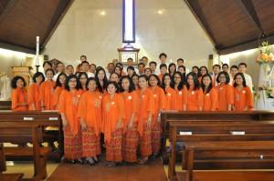 Foto Bersama sesuai Misa di Gereja Paroki St. Yohanes   Penginjil