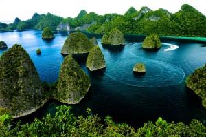 raja ampat by indonesia travel