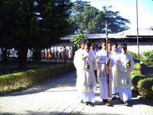 Misa Penerimaan Jubah bagi ke- 54 Frater SVD di Aula Santo  Arnoldus Jansen Nenuk, Selasa (29)