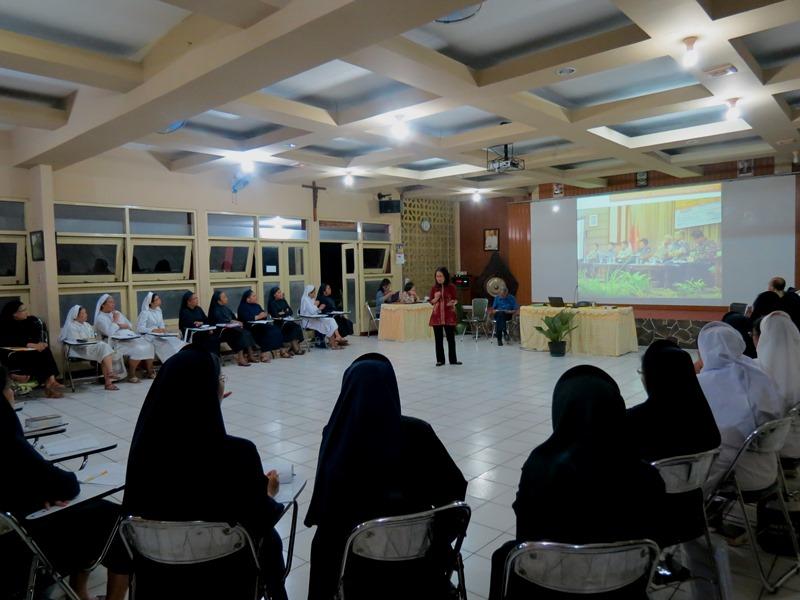 Paparan visioner tentang gerakan semangat anti korupsi di kalangan Gereja Katolik Indonesia oleh Tim Ehem! Yayasan Bhumiksara - KWI.