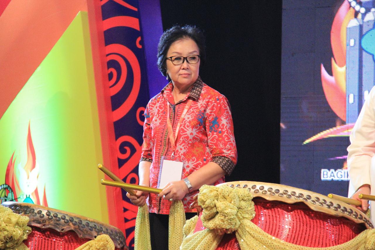 Ketua Panitia Ny. Marni Suprapto.