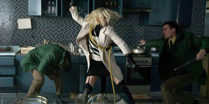 Charlize Theron dalam Atomic Blonde Screen Rant - SatuPos.com